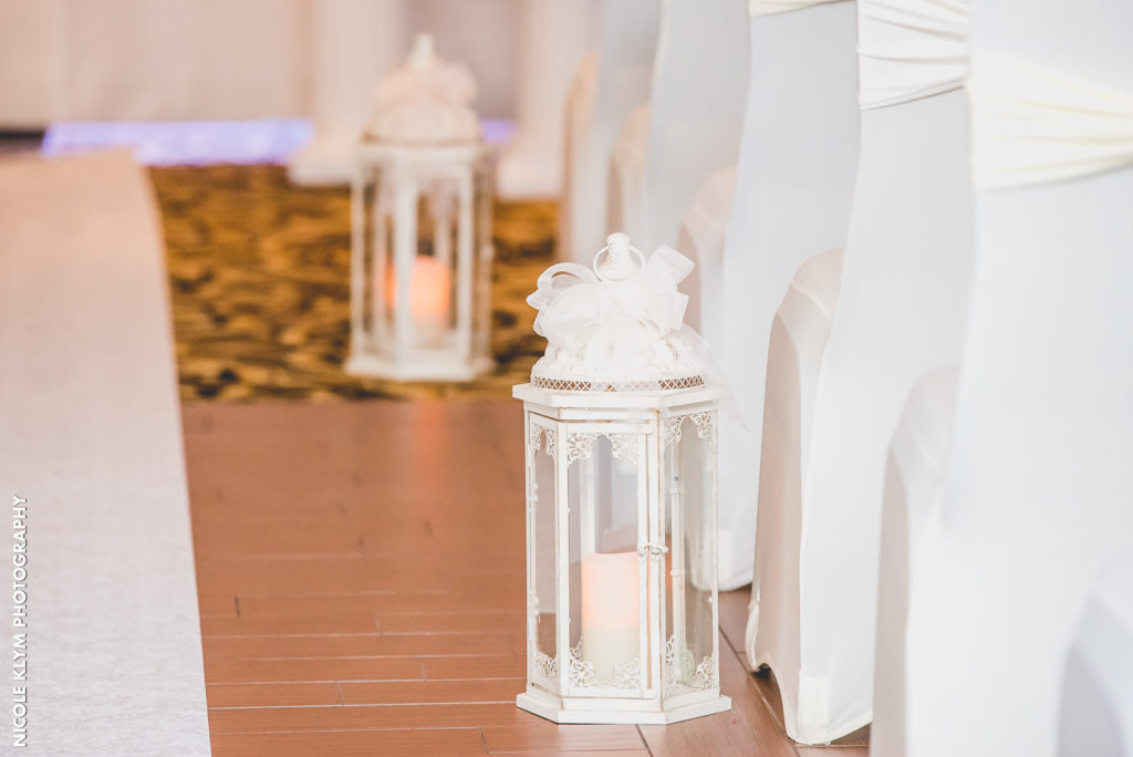 lantern wedding aisle decor